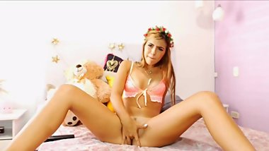 Hot girl solo masturbation play with hitachi
