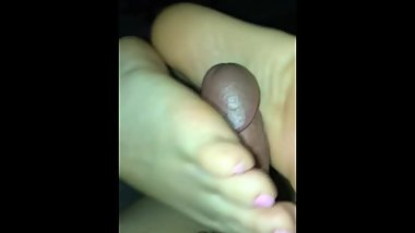 Teen with perfect pink toes milks me like a pro