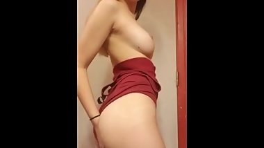Sexy Teen Shows All
