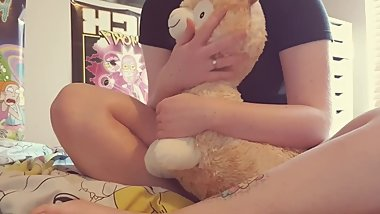 Nerdy teen humps again! This time her alpaca isn't so lucky
