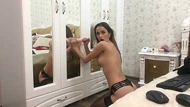 Amyjolie dstroy her pussy in the mirror whith a big cock screaming orgasm