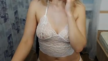 cam4 russian bitch Kristina_99 shows face and fingers her wet pussy