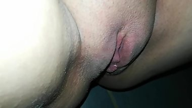 Stinky pissing pussy
