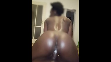 Slim young ebony twerking and riding on the dick